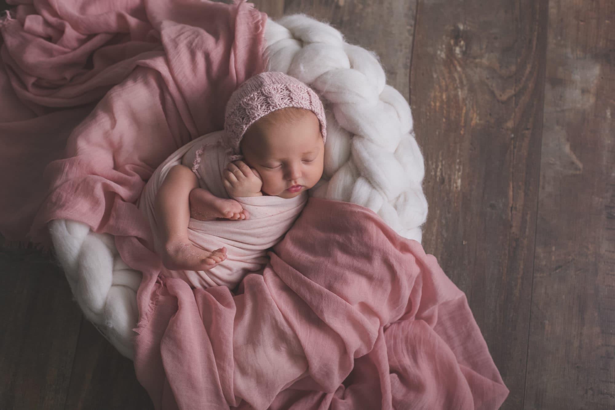 photos de naissance en lumière artificielle