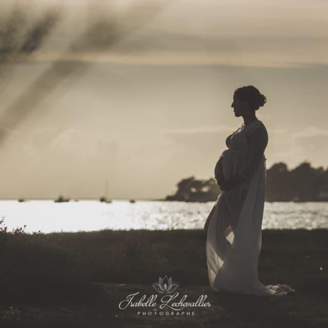 Séance photo maternité à la plage